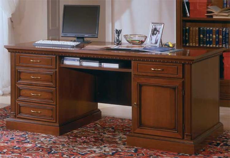 Москва: стол письменный из массива в кабинет цена 0 р., объя.